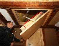 ausklappbare Dachbodentreppe